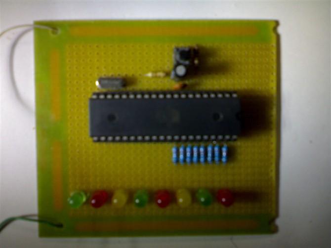 单片机花样流水灯制作 8led 30种花样 带汇编程序 实物图