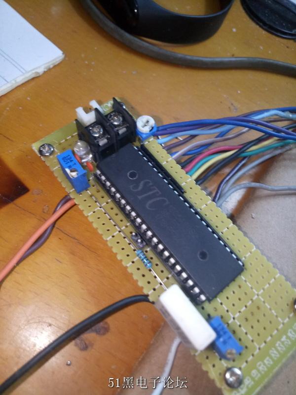 电流采样电阻,我用的是0.22Ω的水泥电阻,并且我发现取样电阻太小表头会不准。可能是因为单片机自带的ADC  ...